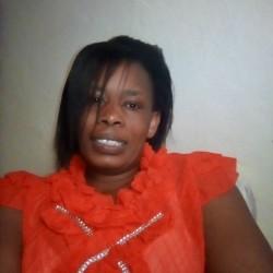 Suzie, 19780401, Nairobi, Nairobi, Kenya